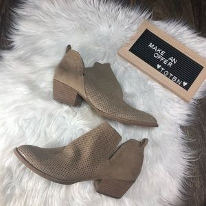 Dolce Vita Tan Suede Ankle Boots Size 10
